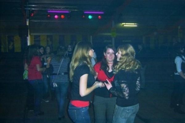 abi-party-gross-ilsede-17-20091122-1691757862C4D49FCB-6B7B-6C65-DBCF-C3B4931441D6.jpg